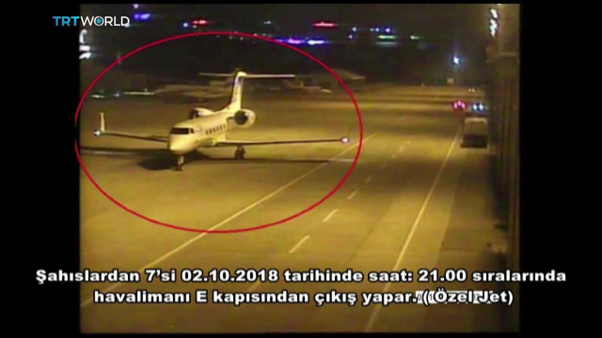 Um dos aviões do alegado esquadrão da morte à chegada ao aeroporto de Ataturk, em Istambul