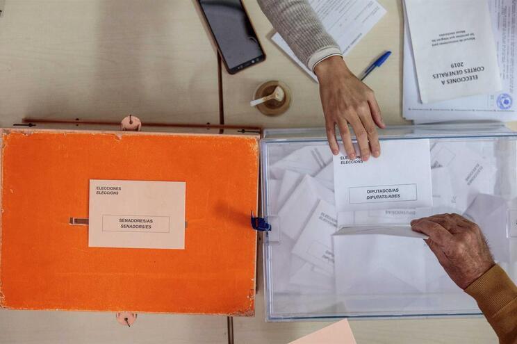 Povoação espanhola com oito eleitores completa votação em 32 segundos