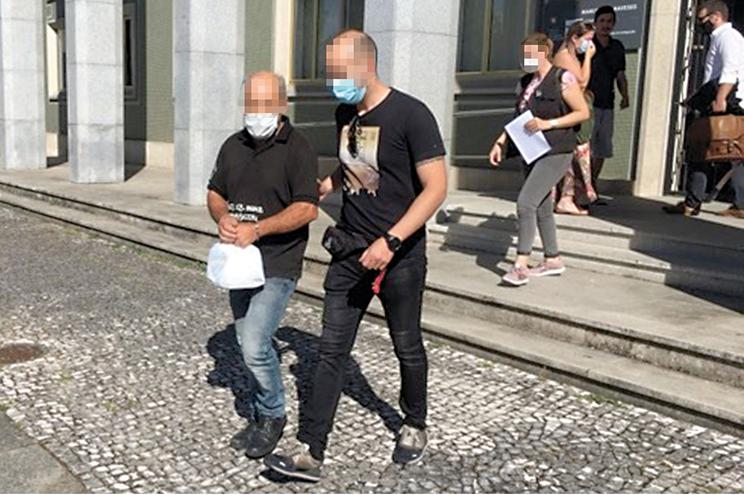 Pai da vítima (à esquerda) foi detido por investigadores da GNR de Penafiel e colocado em prisão domiciliária