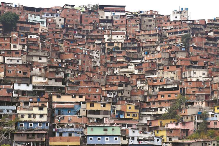 Bairro de Petare, no subúrbio de Caracas, onde as condições de vida estão abaixo do limiar da pobreza