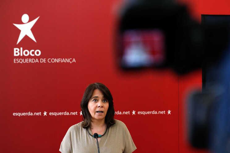 Catarina Martins anuncia acordo para pagar baixas médicas de infetados a 100%