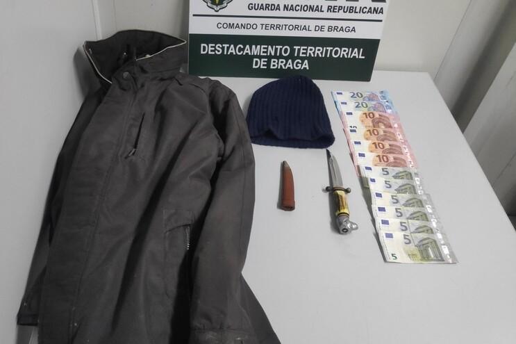 Preventiva para homem que assaltou confeitaria à mão armada em Braga