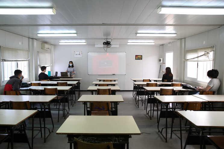 Ministério recua na intenção de cortar orçamentos das escolas até 25%