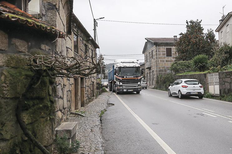 """Estradas nacionais em perímetro urbano ou com """"utilização local"""" ficarão sob a gestão municipal"""