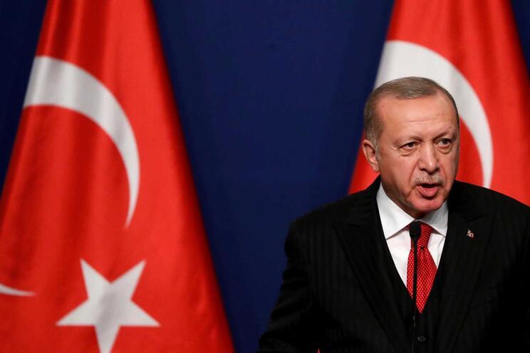 "Presidente turco ameaça ""abrir as portas"" da Europa aos migrantes"