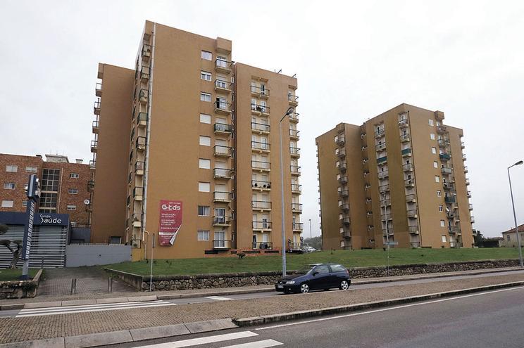 A Câmara de Vila do Conde vai vender 21 apartamentos que comprou há 23 anos para realojar famílias a