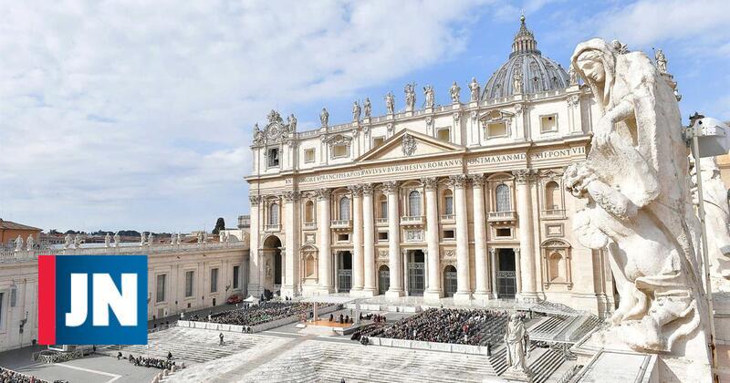 Responsáveis por revista feminina do Vaticano abandonam cargos
