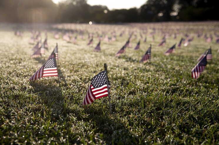 Memorial em homenagem às vítimas da covid-19