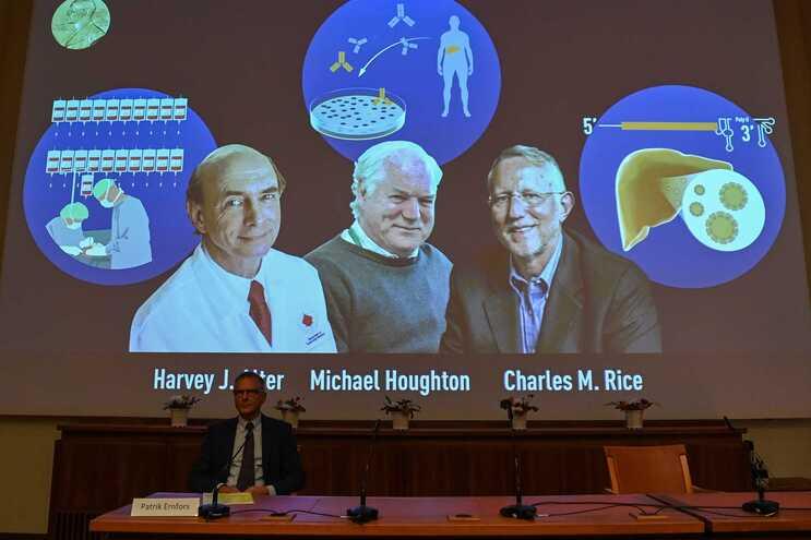 Prémio Nobel da Medicina atribuído à descoberta do vírus da Hepatite C