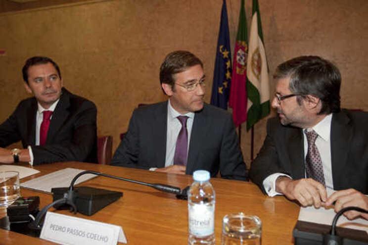 Marco Antonio Costa, à direita, apoia Luís Montenegro, com quem trabalhou quando ambos eram da confiança