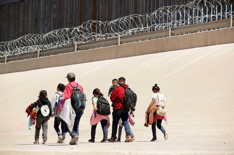 Em abril foram detidos 8897 menores não acompanhados