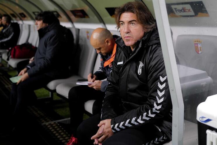 Sá Pinto quer ir a Guimarães vencer para o Braga começar a subir