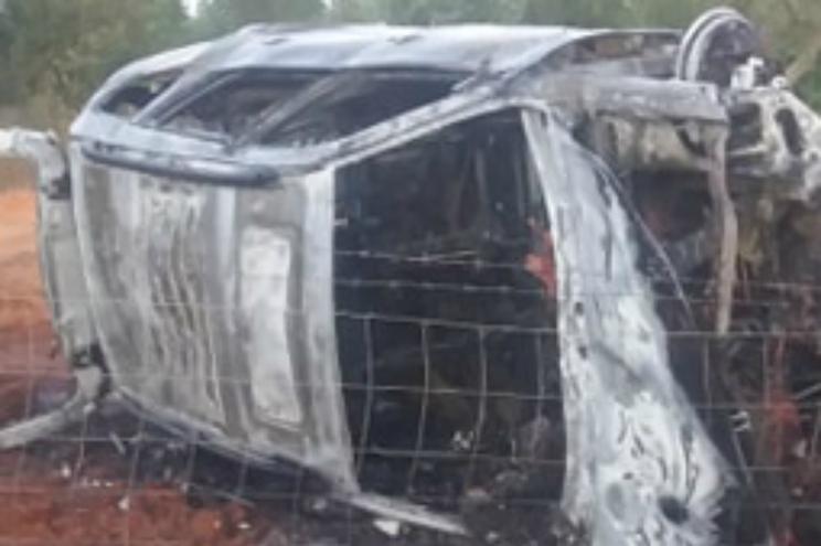 Condutora sofre ferimentos graves em despiste de viatura que ardeu