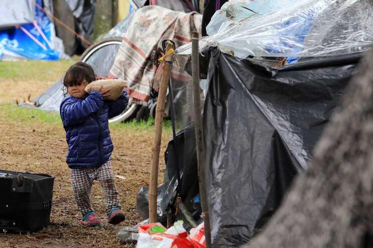 Entre 30 a 34 milhões de deslocados são crianças, muitas dezenas de milhares encontram-se sozinhas