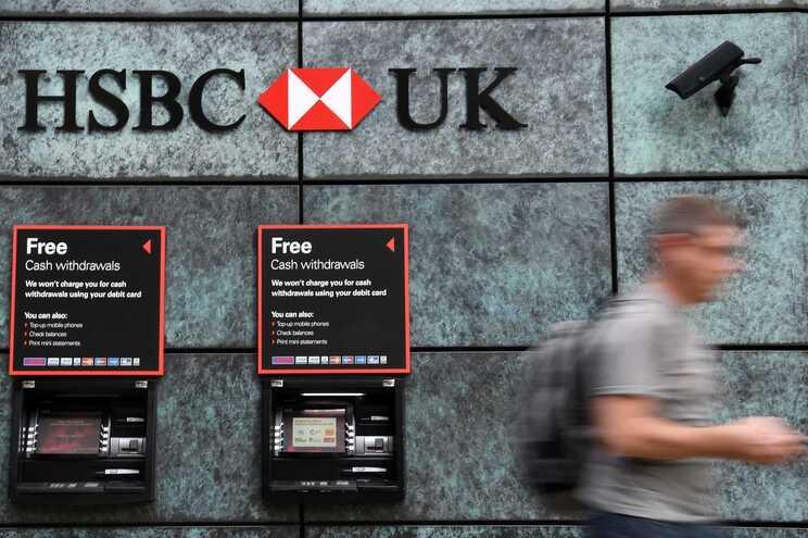 A entidade bancária, a maior do Reino Unido, transferiu dinheiro através do seu negócio nos EUA para