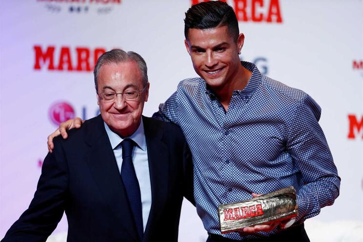 """Florentino chamado de """"cínico"""" por causa da transferência de Ronaldo para o Real"""
