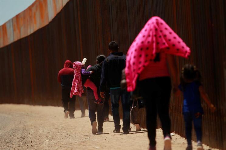As viagens para os Estados Unidos, nas condições em que as famílias guatemaltecas as estão a fazer, são