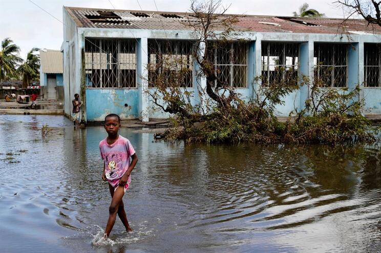 Inundações graves em Moçambique com milhares de pessoas afetadas