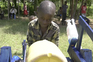 Menino de 9 anos constrói máquina para lavar as mãos no Quénia