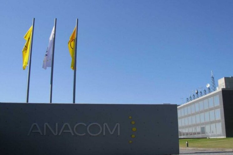 """A Anacom sublinha que a TDT """"é gratuita e continuará a ser, estando proibida qualquer prática ou mensagem"""