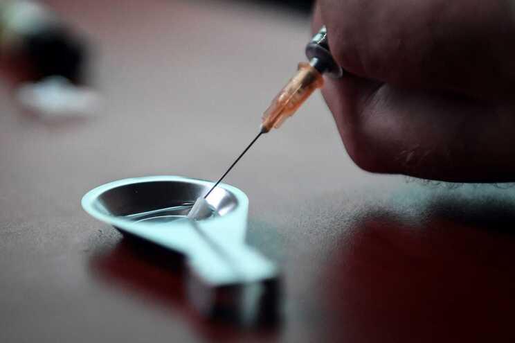 Pelo menos 8.300 mortos em 2018 na Europa por 'overdose' de drogas ilícitas