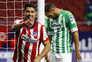 Atlético Madrid vence Bétis e ameaça liderança do Real Madrid