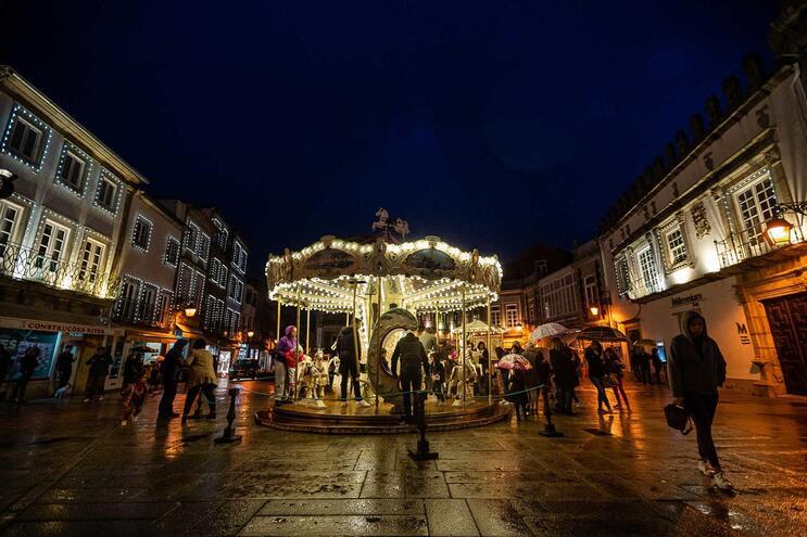Pastelarias de Viana oferecem bolo rei e vinho do Porto na rua no próximo sábado