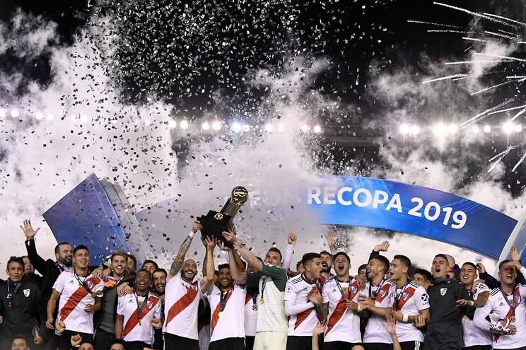 River Plate conquista Supertaça sul-americana