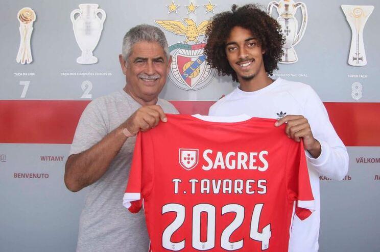 F. C. Porto empresta Chidozie e Benfica renova com Tomás Tavares