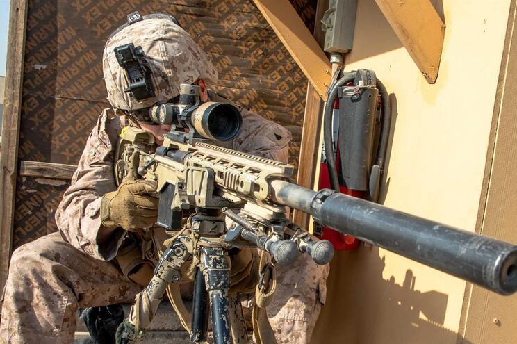 NATO suspende operações de treino no Iraque