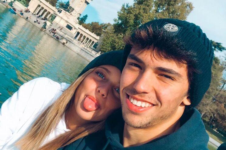 Margarida está em Madridao ladodo jogador, lesionado