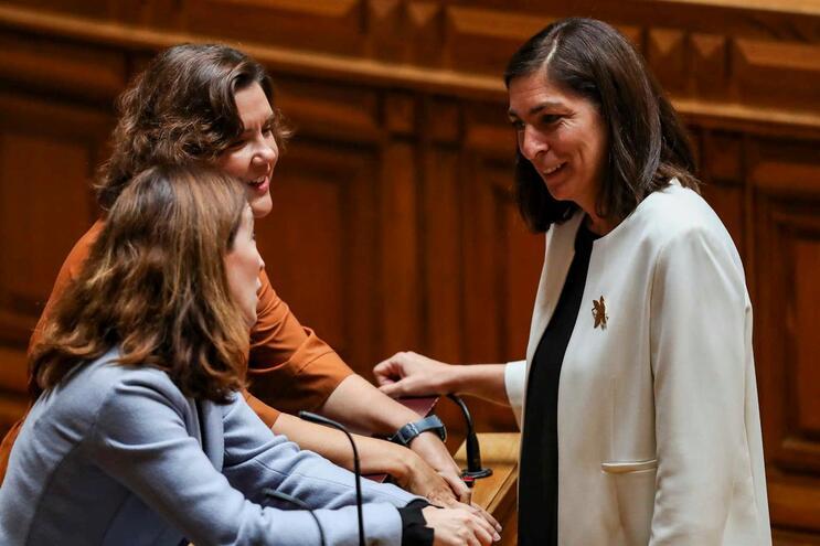 Ana Catarina Mendes eleita com ampla maioria líder da bancada do PS