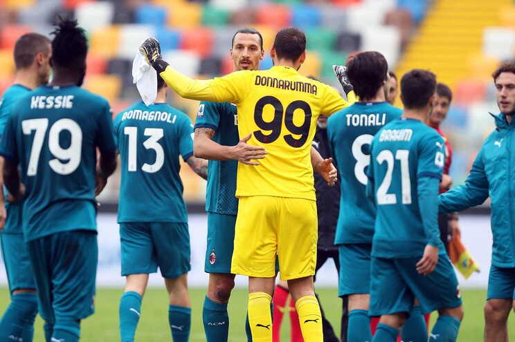 Zlatan Ibrahimovic assistiu e marcou