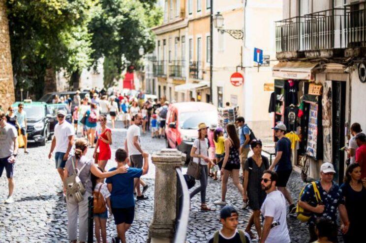 Confiança dos consumidores e clima económico aumentam em Portugal em junho