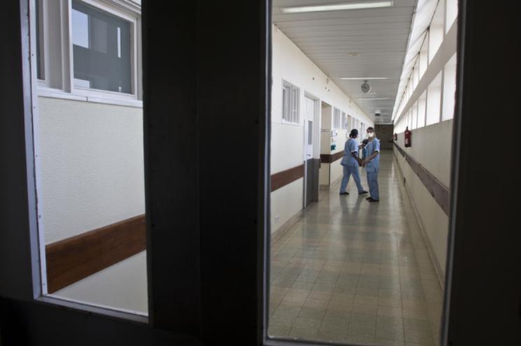 Doentes com hepatite C esperam dois a quatro meses por tratamento    14.03.2008 VASCO NEVES JORGE SAMPAIO