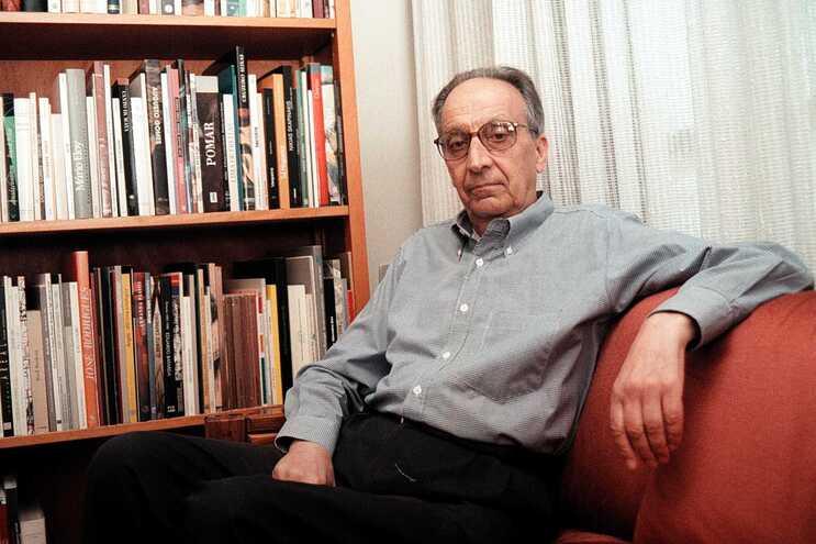 Poeta Fernando Guimarães é o vencedor da Grande Prémio de Literatura dst 2020