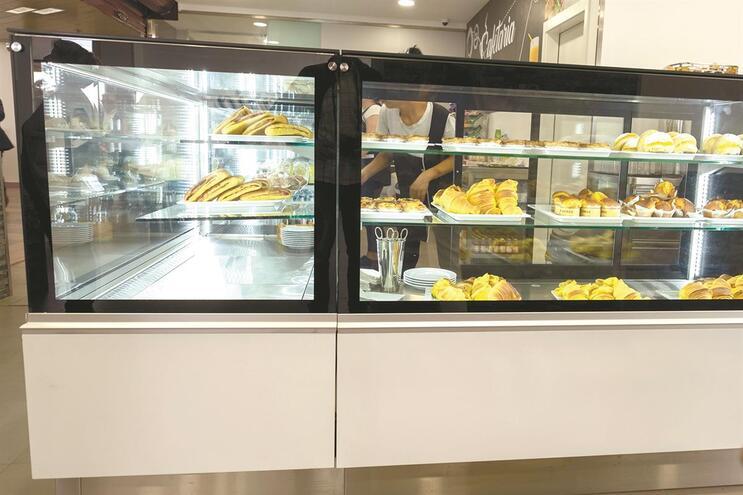 Croissants, bolas de Berlim e natas continuam a figurar nas montras das cafetarias dos hospitais