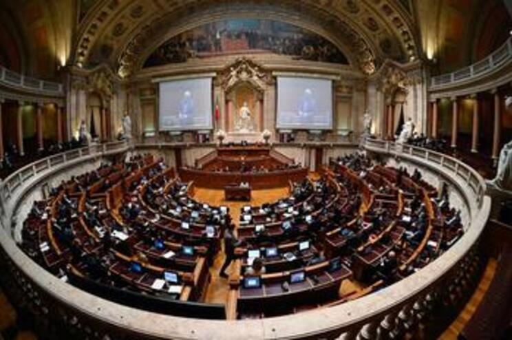 PSD compromete-se a viabilizar retificativo para assegurar verba do Novo Banco