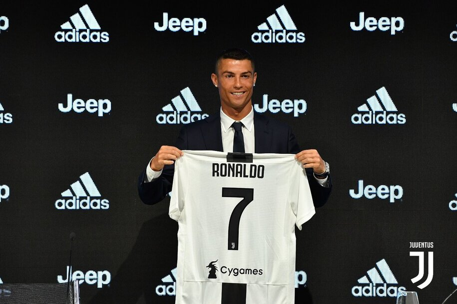 6dbf27993 Juve já vendeu 600 mil camisolas de Cristiano Ronaldo