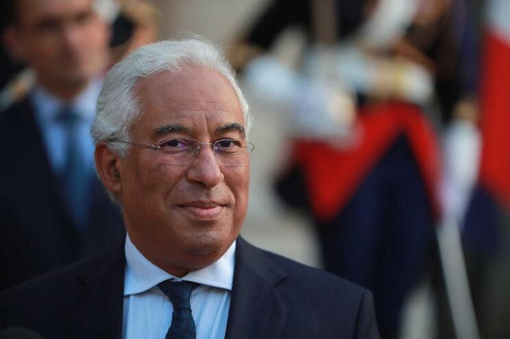 Costa confrontou Azeredo com encenação sobre recuperação de armas
