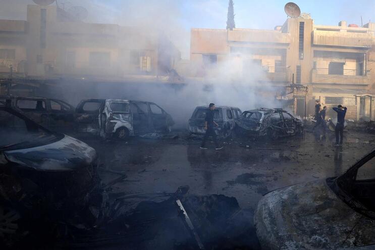 Oposição síria apoiada pelos turcos toma posição estratégica no norte do país