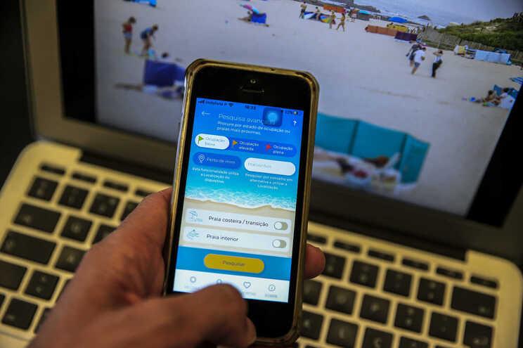 A aplicação para telemóvel que mostra a lotação das praias em tempo real está já disponível para descarregar