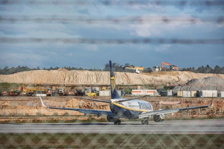 Passageiros com voos cancelados 14 dias antes sem direito a indemnização