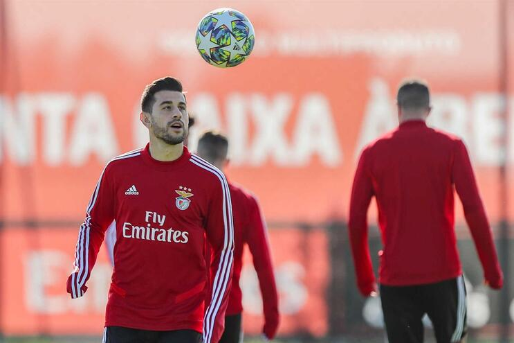 "Benfica vai ""à caça"" ao Lyon sem Pizzi no onze"