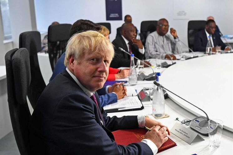 Boris Johnson na reunião do G7 em França