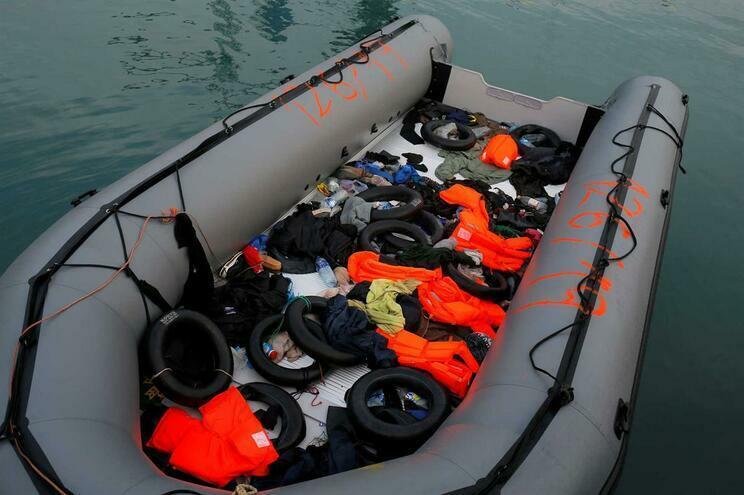 Pelo menos 30 mortos e 200 desaparecidos em naufrágio de navio na RD Congo
