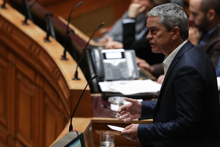 """Verdes dizem que sem parecer favorável das autarquias """"não há aeroporto"""" do Montijo"""