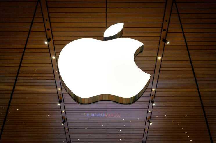 Apple acusada de vigiar localização dos utilizadores sem consentimento