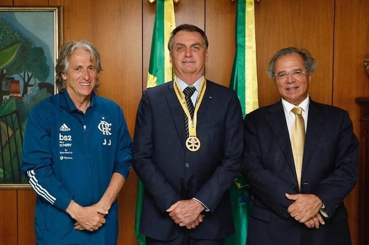 Jorge Jesus ao lado do presidente Jair Bolsonaro