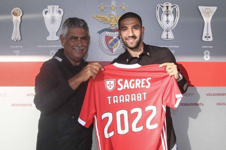 Taarabt renova com o Benfica